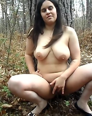Lilly Davies (Handjob_Hunnie) Masturbating Naked In The Woods