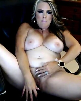 Hot mature toying
