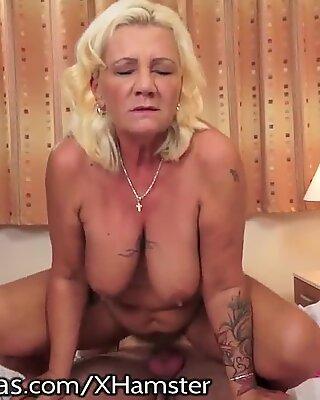 Lustygrandmothers bodacious Grandma screams for Youthful Cock