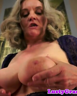 Saggytits old lady pounded in cowgirl pose