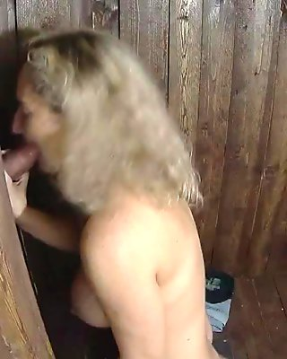 glory hole game !