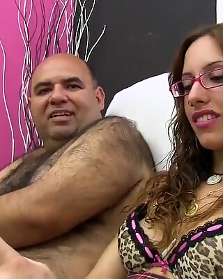 PUTA LOCURA Beautiful Amateur Latina Teen in a Bukkake