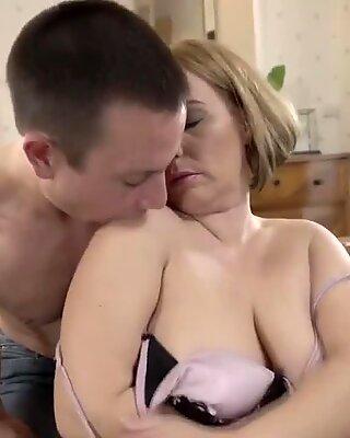 Needy mature Mimi Jean
