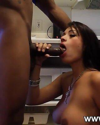 Hardworking latina slut sucks a bbc