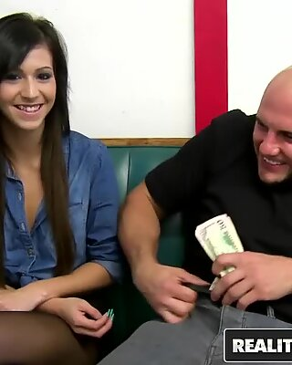 REALITY KINGS - Layla Lopez will do any thing if the Money is right