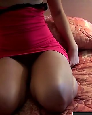 Janine 19 WETTING PANTS in crowdy citty