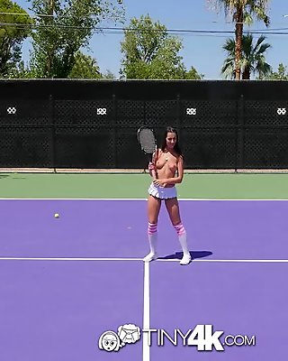 Play tennis sexy girl and her breasts film