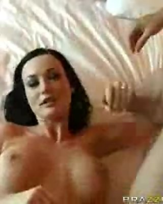 Sexy brunette babe gets horny rubbing segment 32