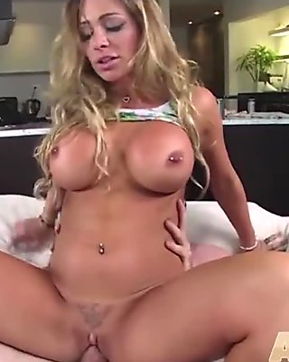 Euro babe is getting fucked till the creamer pov