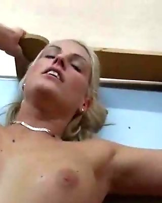 Adult Pictures HQ Sucking the cum out